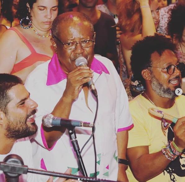 Fotos de Marcos Brailko da roda do Coletivo SIndicato do Samba na quadra do Fala Meu Louro.